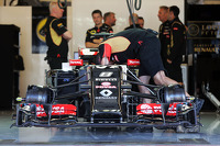 The Lotus F1 E22 of Romain Grosjean, Lotus F1 E22 with a new front wing