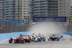Start: Nelson Piquet Jr., China Racing leidt