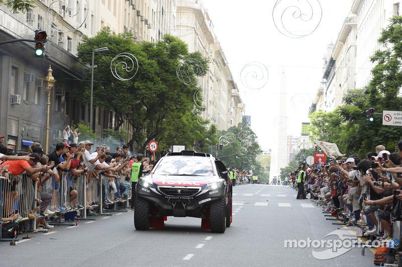 Peugeot beim zeremoniellen Start