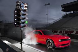 Dodge Challenger SRT Hellcat feature