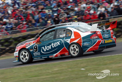 Russell Ingall and Paul Morris battle for track position