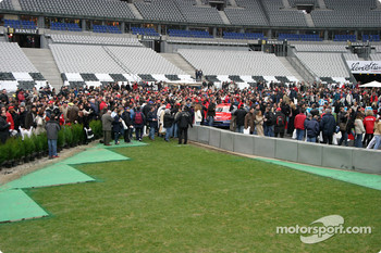 Fans at pitwalk