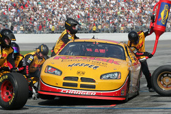 Pitstop for Travis Kvapil