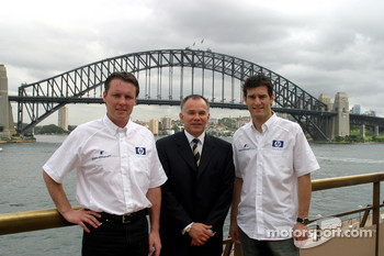 Williams-BMW HP event at the Opera House in Sydney: Mark Webber and Sam Michael pose