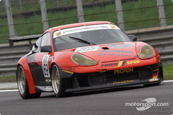 #69 Proton Competition Porsche 996 GT3 RS: Christian Ried, Gerold Ried