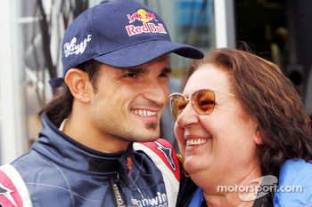 Vitantonio Liuzzi with his mamma