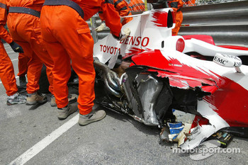 The wrecked Toyota of Ralf Schumacher