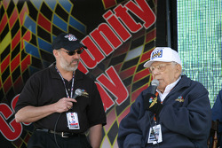 Pat Sullivan listens as legendary IMS Public Address Announcer Tom Carnegie fields questions