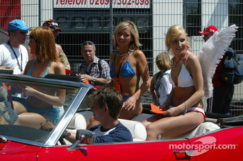 Girls gone wild at the Nürburgring