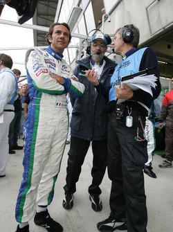 Erik Comas and Henri Pescarolo watch Sébastien Loeb doing the mandatory 10-lap test