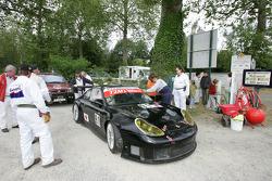 T2M Motorsport Porsche 911 GT3 in the runoff area