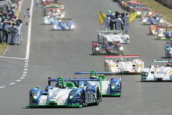 #16 Pescarolo Sport Pescarolo Judd: Emmanuel Collard, Jean-Christophe Boullion, Erik Comas leads the field to formation lap