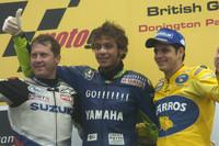 MotoGP Fotos - Podio: ganador de la carrera Valentino Rossi, segundo lugar Alex Barros y el tercer lugar Kenny Roberts