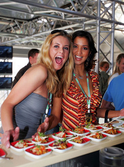 Red Bull Racing Chilled Thirstday part: Formula Unas girls