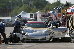 Pitstop for #69 Krohn Racing/ TRG Porsche 996: Tracy Krohn, Nic Jonsson
