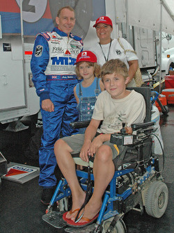 Andy Wallace, Nicholas, Alissa and MDA representative