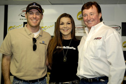 Kevin Harvick, musician Gretchen Wilson and team owner Richard Childress speak to the media during a press conference