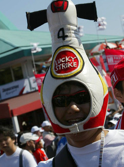 A BAR Honda fan