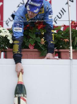 Podium: enough champagne for Fernando Alonso