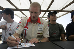 Autograph session: Alex Premat