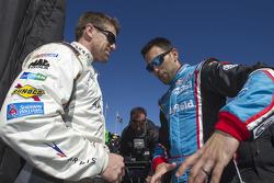 Carl Edwards, Joe Gibbs Racing Toyota, Aric Almirola, Richard Petty Motorsports Ford