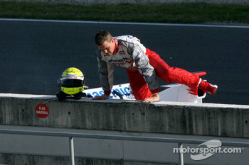 Ralf Schumacher after having stopped on the track