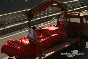 Toyota of Ralf Schumacher stopped on the track