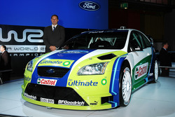 Ford Focus RS WRC 06 at Bologna Motor Show: BP-Ford World Rally Team technical director Christian Loriaux with the new Ford Focus RS WRC 06 at Bologna Motor Show