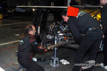 Gearbox repair on #50 Blackforest Motorsports Ford Multimatic