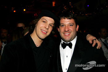 NASCAR Nextel Cup Awards Banquet at the Waldorf Astoria Hotel: Tony Stewart and recording artist Gavin DeGraw