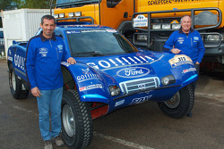 Team Gauloises Schlesser: François Borsotto and Jean-Louis Schlesser pose with the Schlesser-Ford Buggy
