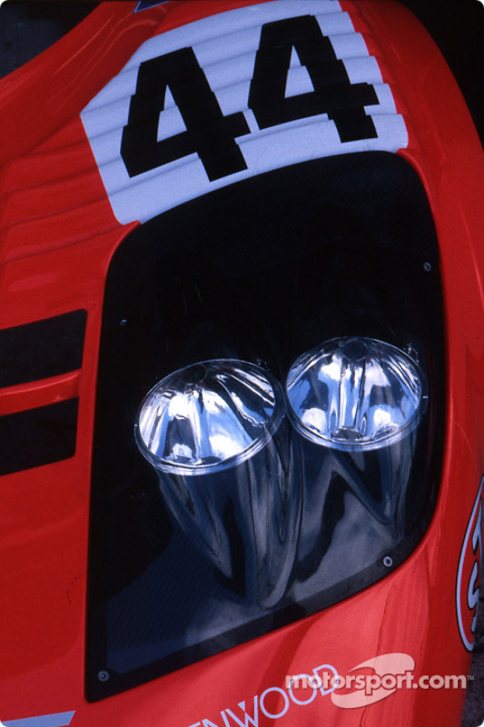 Headlights of the Team Lark McLaren McLaren F1 GTR BMW