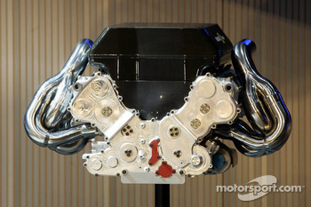 The Renault RS26 V8 engine