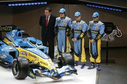 Patrick Faure, Fernando Alonso, Heikki Kovalainen and Giancarlo Fisichella