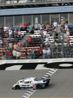 #16 Howard - Boss Motorsports Pontiac Crawford: Chris Dyson, Rob Dyson, Oliver Gavin, Guy Smith takes the checkered flag