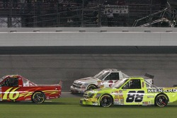 Ron Hornaday, Mike Bliss and Matt Crafton in the wreck