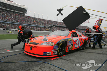 Pitstop for Jeff Burton
