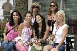 Formula Unas girls tour the paddock