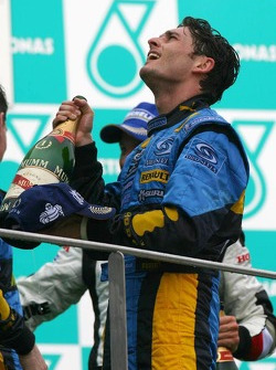 Podium: race winner Giancarlo Fisichella