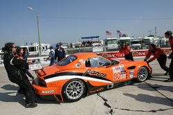 #80 Team LNT Panoz  Esperante GTLM: Lawrence Tomlinson, Richard Dean, Tom Kimber-Smith on the starting grid