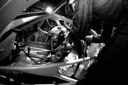 Pitstop for #86 Spyker Squadron Spyker C-8 Spyder: Jeroen Bleekemolen, Mike Hezemans