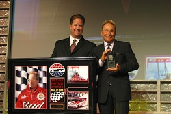 Kenny Bernstein accepts his induction to the Texas Motor Sport Hall of Fame