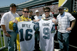 Greg Biffle and Kasey Kahne pose prior to the start