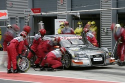 Pitstop for Timo Scheider