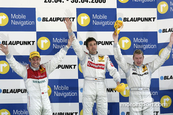 Podium: race winner Bernd Schneider with Tom Kristensen and Mika Hakkinen