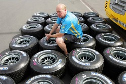 Renault F1 team with Michelin tyres