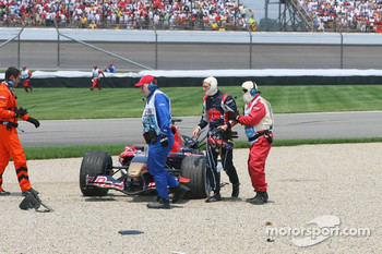 Crash at first corner: Scott Speed