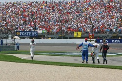 Crash at first corner: Juan Pablo Montoya, Kimi Raikkonen and Scott Speed