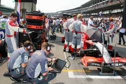 Christijan Albers car on the grid