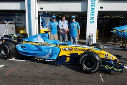 Shark livery on the Renault car, with Fernando Alonso and Giancarlo Fisichella